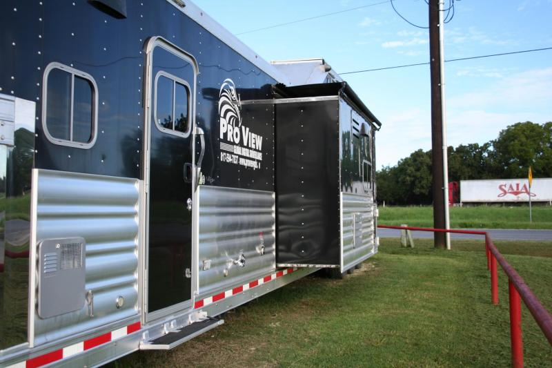 2015 Platinum Coach Toy Hauler Horse Trailer