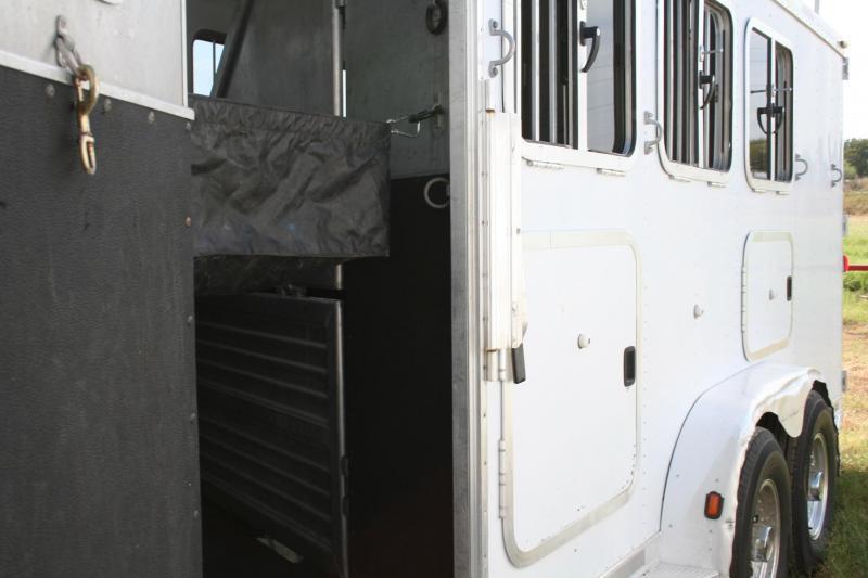 2004 Featherlite 4H Featherlite Horse Trailer