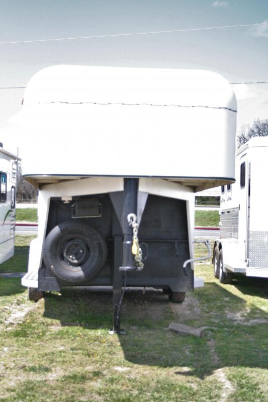 1987 Sundowner Trailers 2H Converted to Travel Trailer