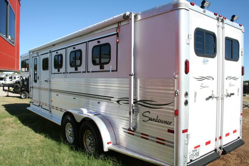 2006 Sundowner Trailers 4H Sunlite 727 Horse Trailer