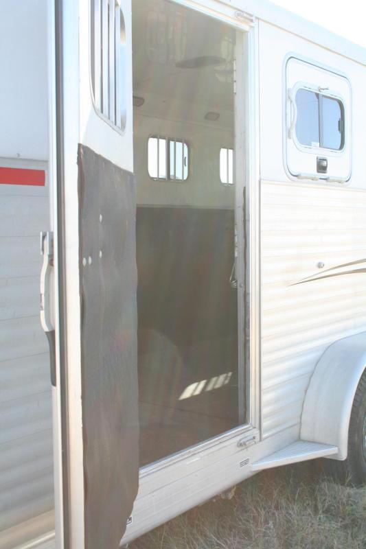 2006 Exiss Trailers Exiss 3H Horse Trailer
