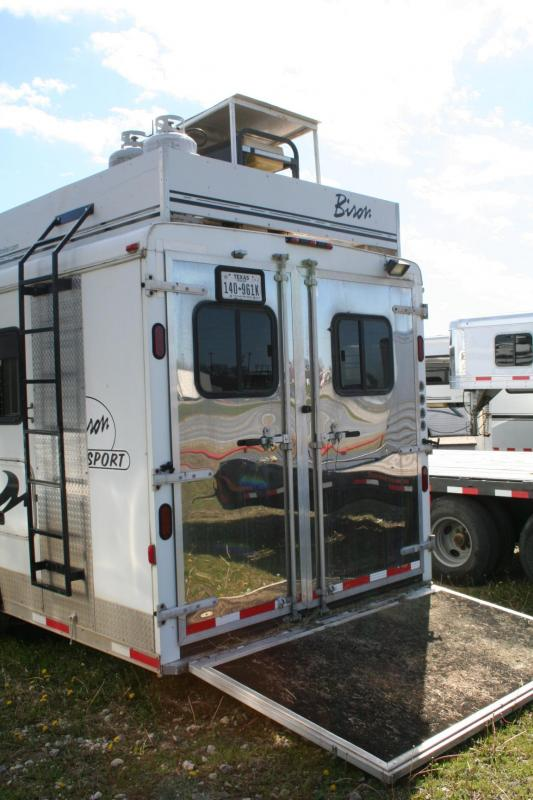 2006 Bison Trailers 4H Horse Trailer