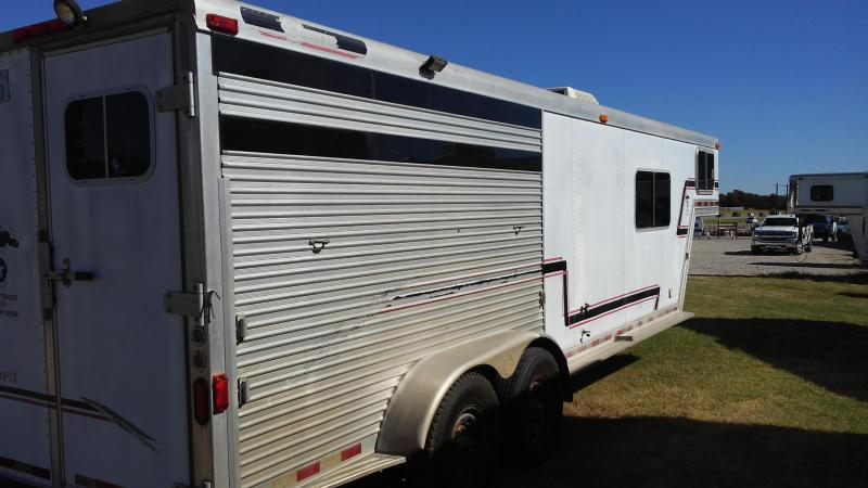 2001 Barrett Trailers Barrett Horse Trailer