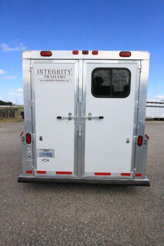 2004 Integrity 3 Horse GN
