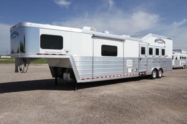 2014 Bloomer 4H 15' SW Horse Trailer w/Slideout