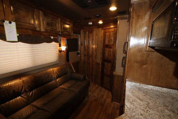 2019 Hart Tradition 2H 11' SW Horse Trailer