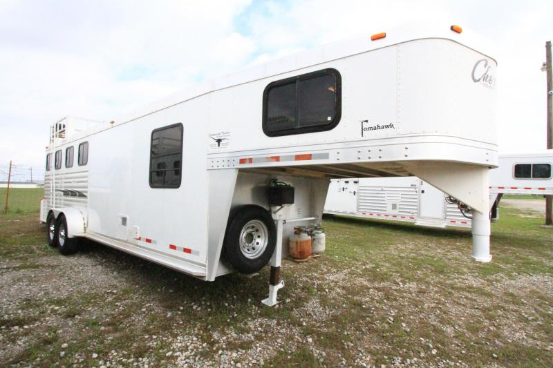 2004 Cherokee 4 Horse Weekend Pkg Horse Trailer