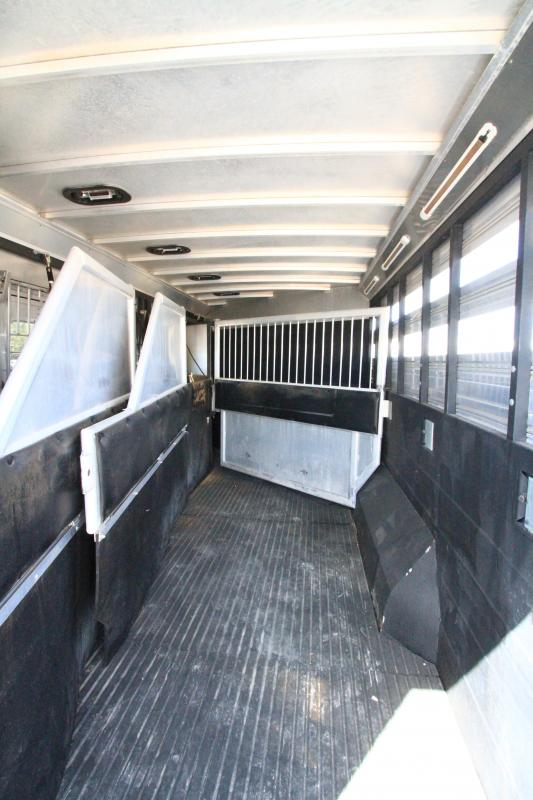 2011 Logan Razor 4H 13'6 SW LQ - Bunk Beds