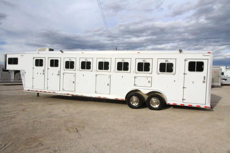 2001 Sooner 6 Horse Midtack - DR Horse Trailer