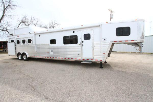 "2019 Hart Tradition 4H 16'6"" Outlaw LQ Horse Trailer w/Slide Out"