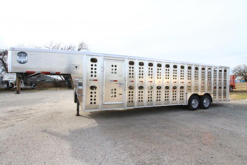 2020 Merrit 28' GN Cattle Hauler Livestock Trailer