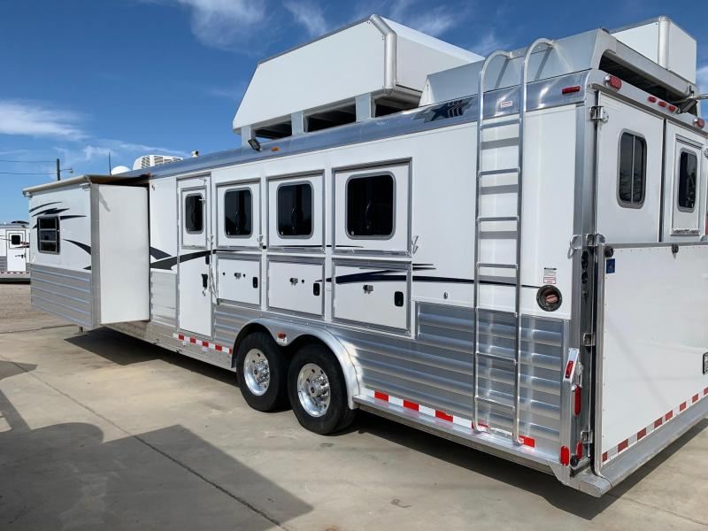 2013 4-Star 4H 17' SW Slide Out - Air Ride Horse Trailer