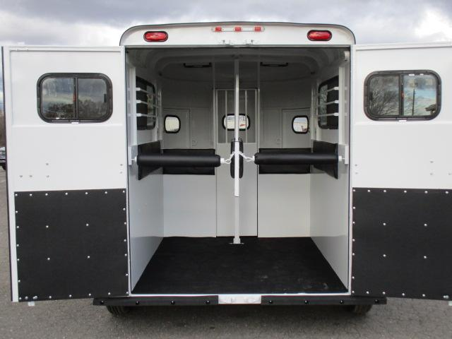 2020 Bee Trailers 2H Super Bee Horse Trailer