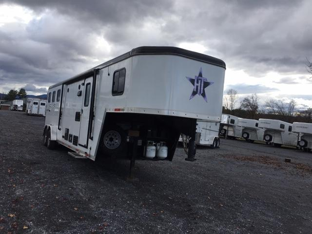 2016 Hoosier Trailers Renegade Horse Trailer