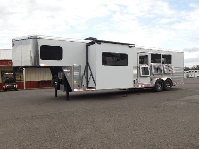 2015 Sundowner Trailers 3H 8013 LQ w/Slide Out Horse Trailer