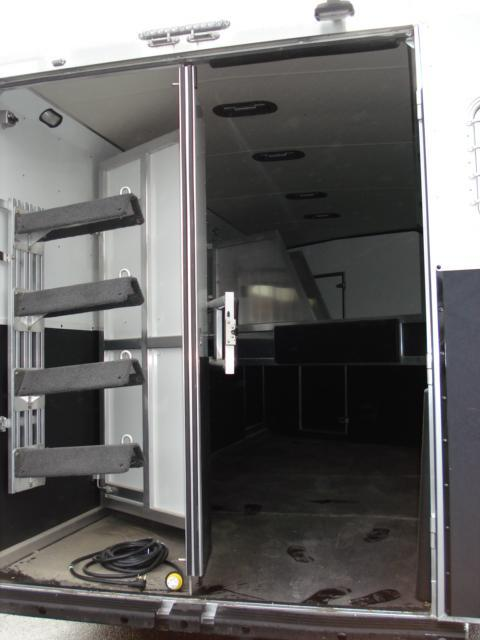 2008 Shadow Trailers GN 4H SL LQ Horse Trailer