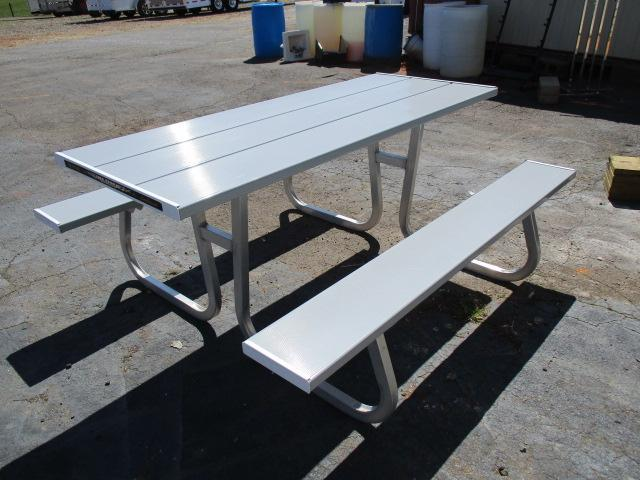 2016 Aluma 6ft Picnic Table