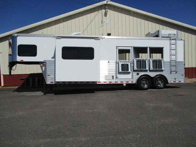 2013 Sundowner 3H 8012 LQ w/Slide Horse Trailer