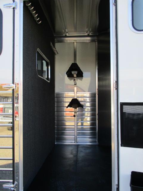 2019 Sundowner Trailers 2H Charter TRSE Horse Trailer