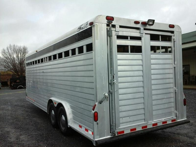 2001 4-Star Trailers Livestock Trailer
