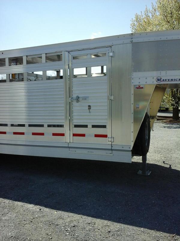 2020 EBY 24ft Maverick Freedom Plus Livestock Trailer