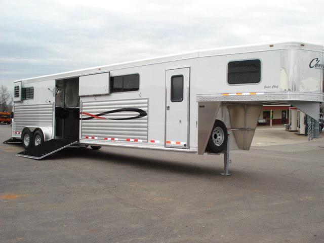 2010 Cherokee Trailers GN 4H Head-Head Horse Trailer in  VA