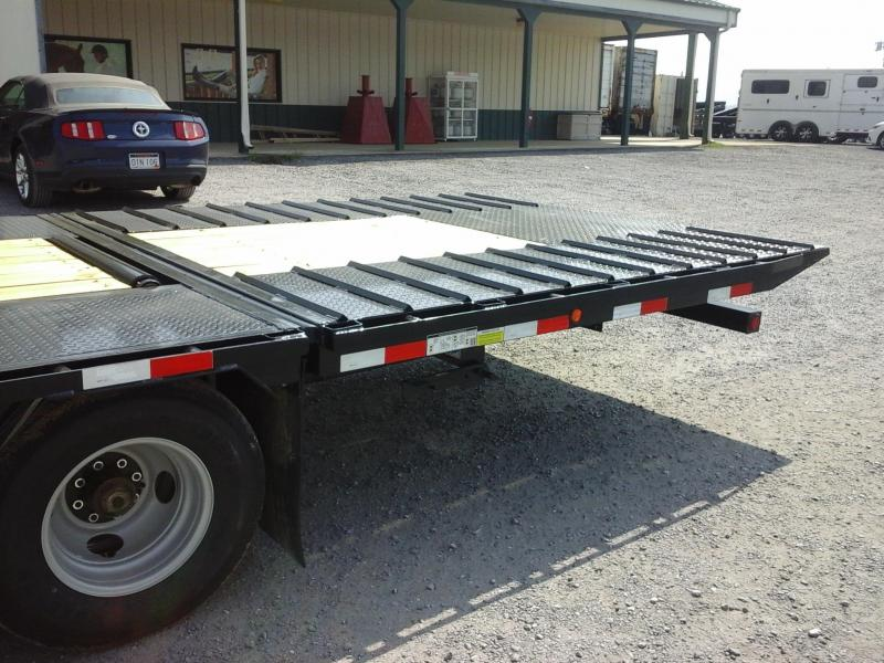 2017 Load Trail Dual Tandem Low-Pro GN Hyd Dovetail Trailer
