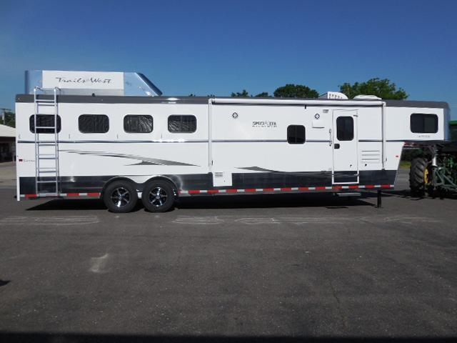 Clearance 2015 Trails West 4H LQ w/Slide Horse Trailer