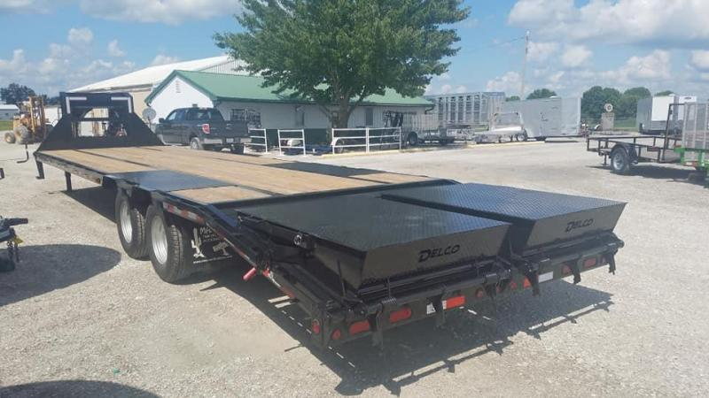 2019 Delco Trailers Maxwell GooseNeck DT Equipment Flatbed Trailer