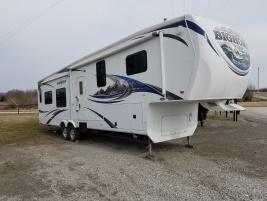 Used 2011 Heartland RV BigHorn 8 x 36 5th Wheel/Travel Trailer