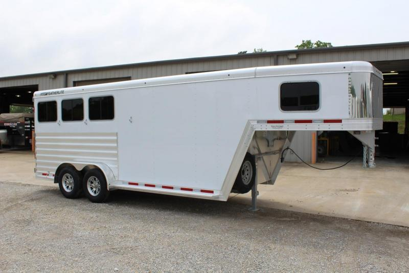 2020 Featherlite 7541-304A Horse Trailer