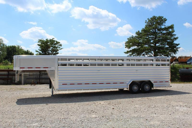 2019 Featherlite 8127-7626 Livestock Trailer