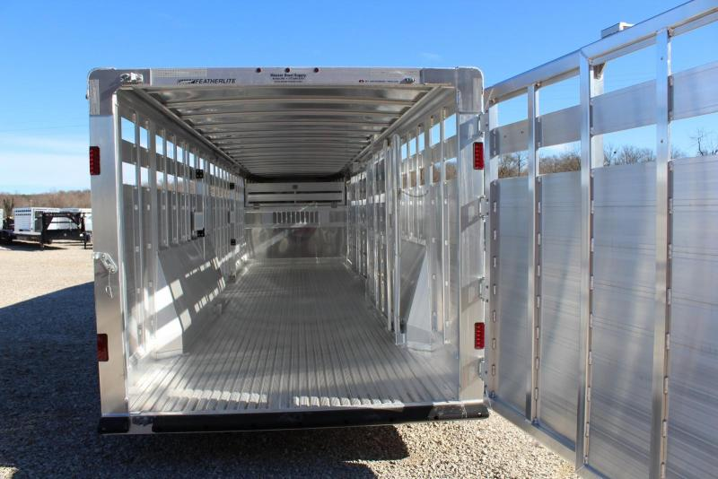 2019 Featherlite 8127-7632 Livestock Trailer