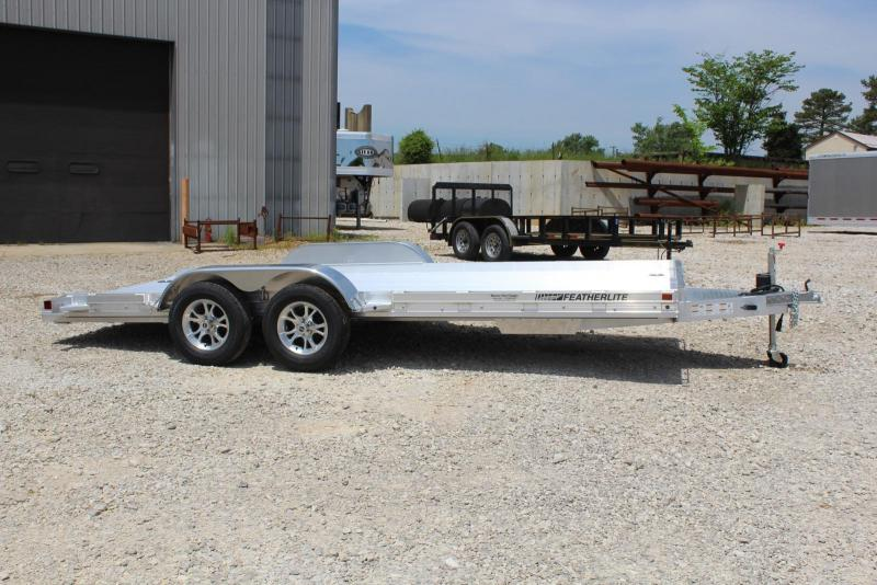 2020 Featherlite 3110-0017 Car / Racing Trailer