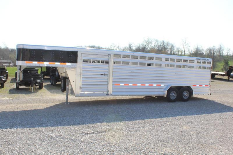 2020 Featherlite 8127-7626 Livestock Trailer