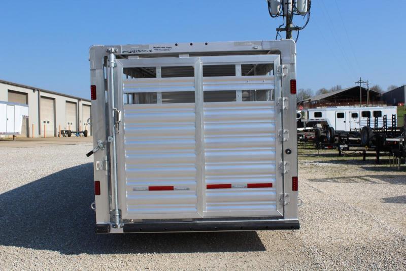 2020 Featherlite 8127-7626 Livestock Trailer