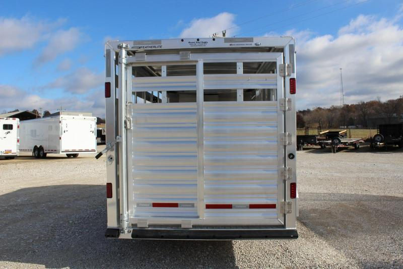 2020 Featherlite 8107-6716 Livestock Trailer