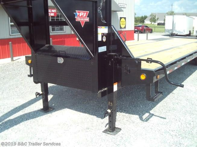 New 2020 PJ Trailers 32' Low Pro Flatbed w/Duals 10K Axles
