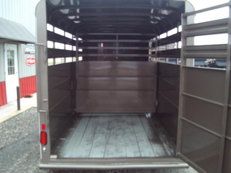 2020 Delta Manufacturing 16X6 500 ES Horse Trailer