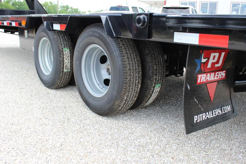 2020 PJ Trailers LY 32 hydraulic dovetail Flatbed Trailer