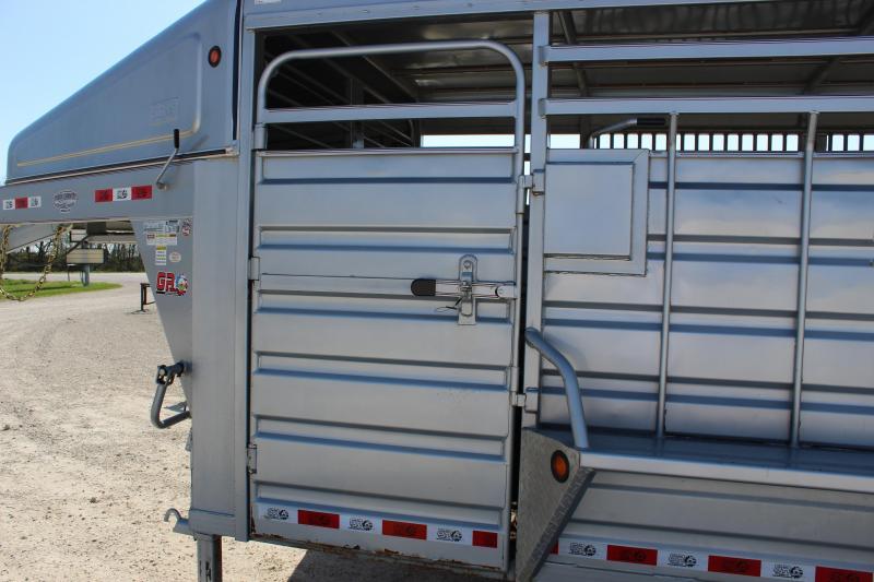 2017 GR Trailers 6.8'x28' gooseneck Livestock Trailer