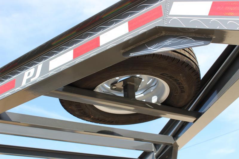2020 PJ Trailers TJ 24 gooseneck tilt Equipment Trailer