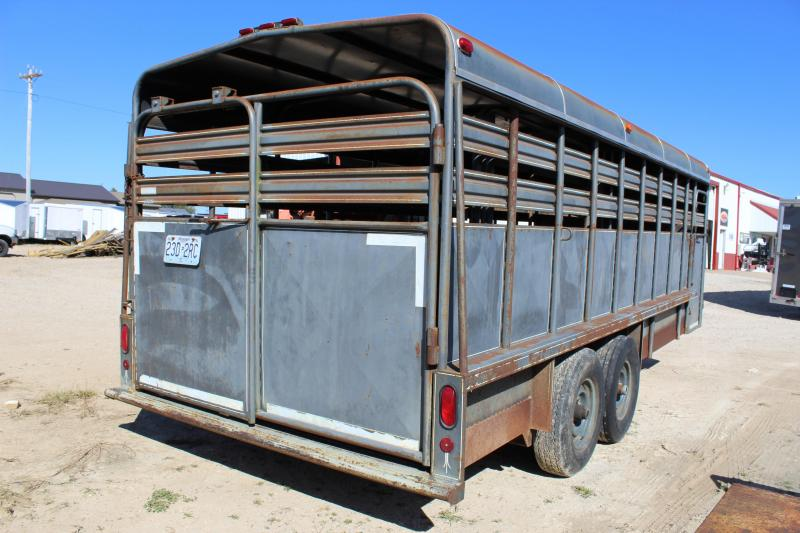 1996 Coose 7x20 gooseneck Livestock Trailer