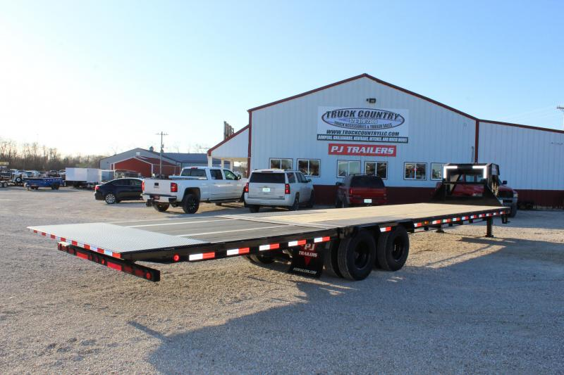 2020 PJ Trailers LY 34' hydraulic dovetail Flatbed Trailer