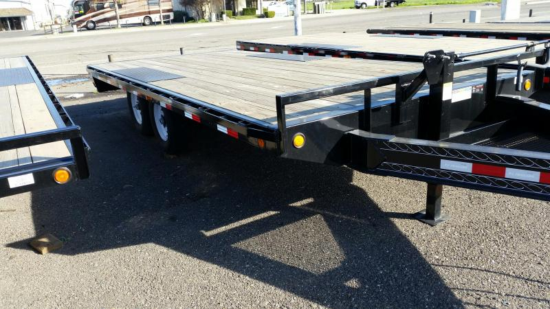 2020 PJ Trailers 8 in. I-Beam Deckover (F8) Flatbed Trailer