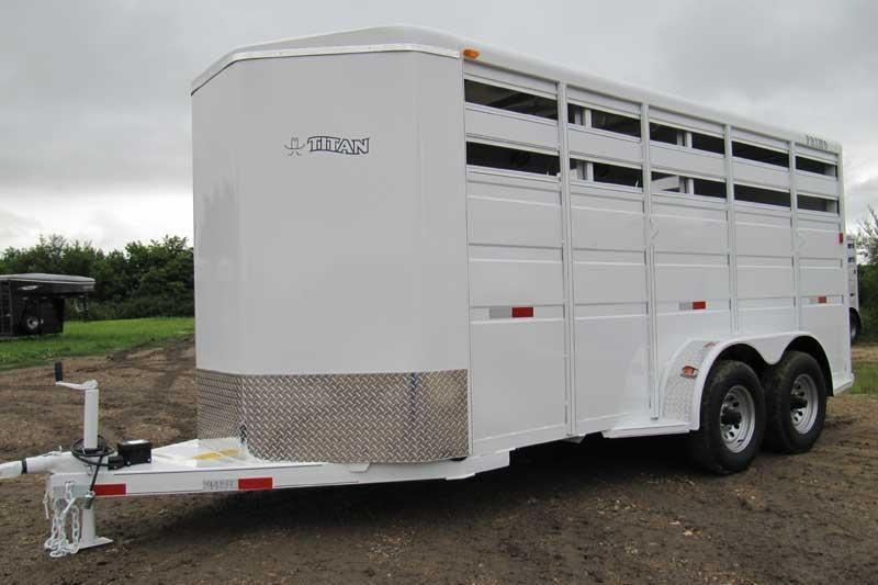 2019 Titan Trailers Primo Bumper Hitch Horse Trailer