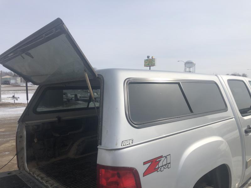 14 - ARE V Series 5.5' Truck Topper (Silverado/Sierra 07-13)
