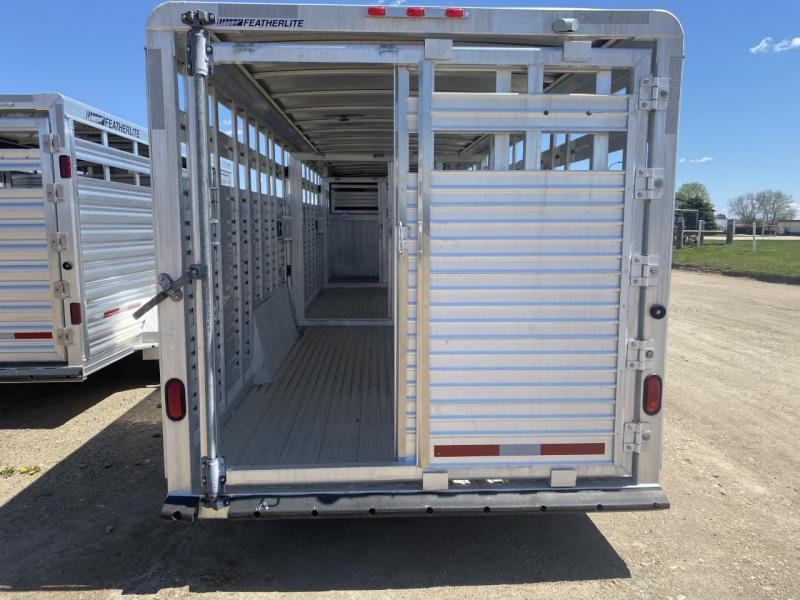 2004 Featherlite 8120/7030 Livestock Trailer