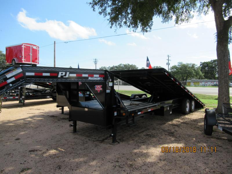 2018 PJ Trailers T930 Equipment Trailer