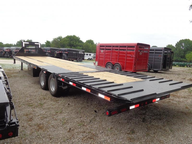 Delco 102'x34' Gooseneck Deckover 20000 Hydraulic Dovetail With Hydraulic Jacks